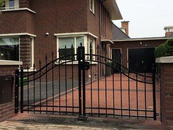 Autopoort Dahlia geplaatst in Dordrecht