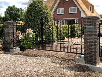 Prefab poort geplaatst in Bergambacht