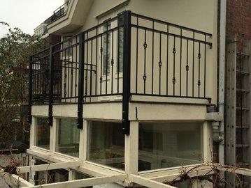 Balkonhekwerk geplaatst in Leiden